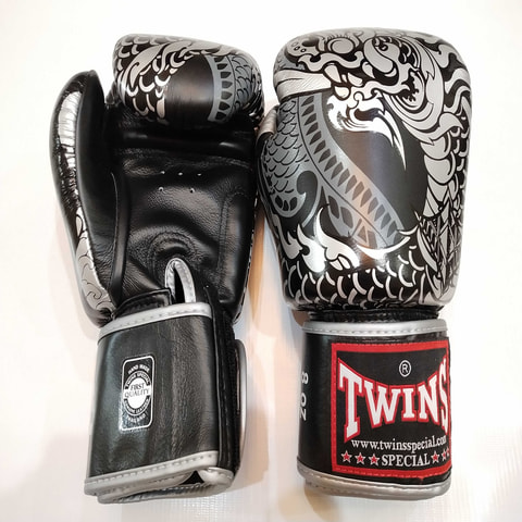 Twins Fancy Gloves Nagas Thai Dragon 10.oz